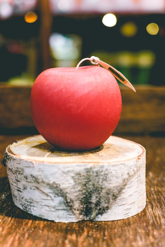 Aloe green Brushed apple candle(red)