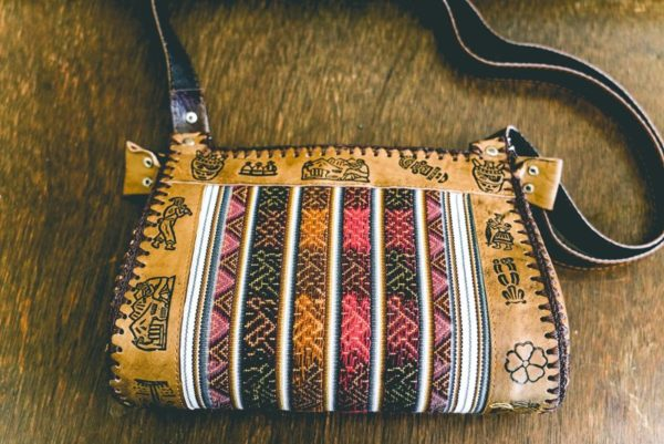 Brown-leather-purse-large-01
