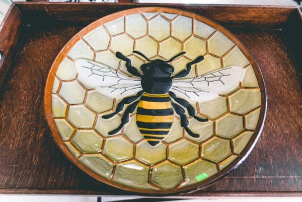 Bumble-bee-bird-bath-01