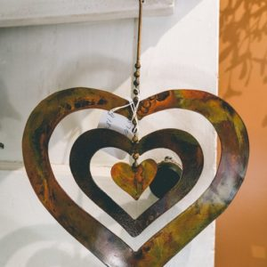 Hanging-heart-wind-chimes-01