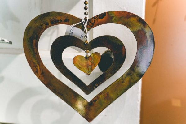 Hanging-heart-wind-chimes-02