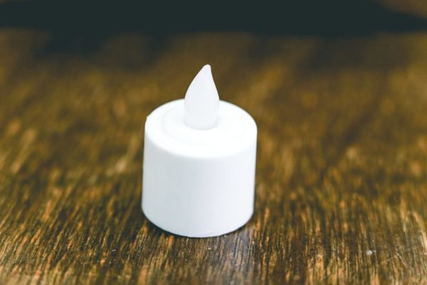 Light up tea candle (LED)