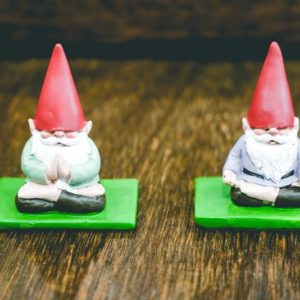 Meditating-Gnomes-01