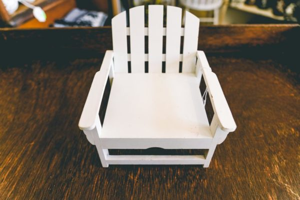 Miniature-chair-01