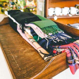 Multi-color-scarfs-01