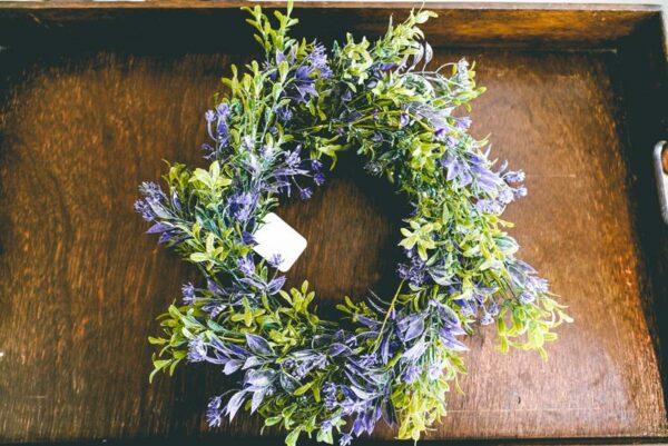 Purple-and-green-wreath-02