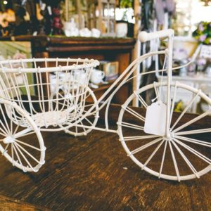 White bike planter-001