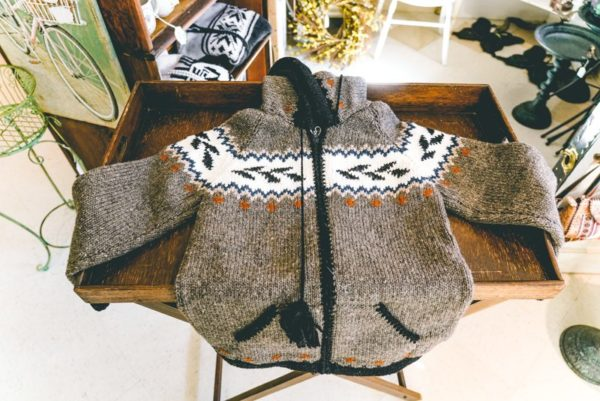Wool-sweater-from ecuador-02