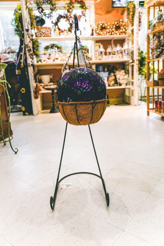 Coco basket with stand